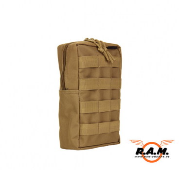 Große Molle Tasche stehend in Coyote
